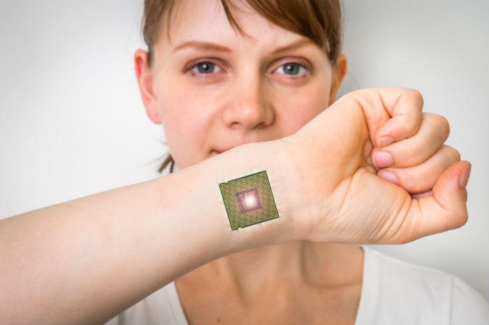 Implant chip
